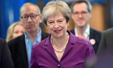 Σε ενότητα καλεί τους υπουργούς της η Μέι ενόψει της Συνόδου Κορυφής για το Brexit