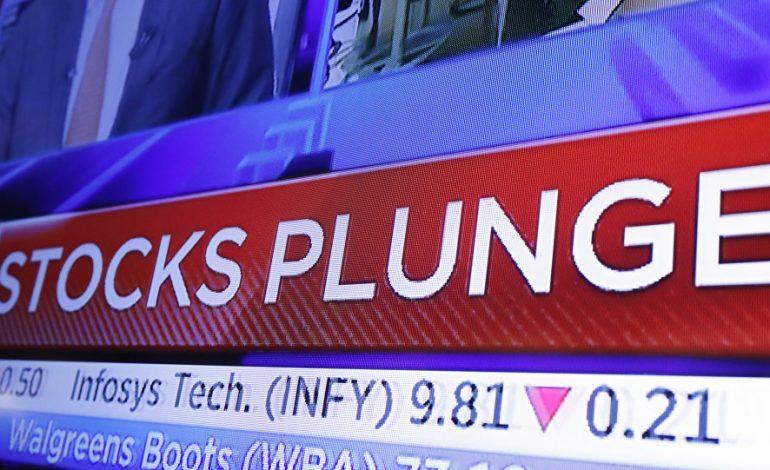 Sell-off στη Wall Street, με «βουτιά» 800 μονάδων για τον Dow Jones