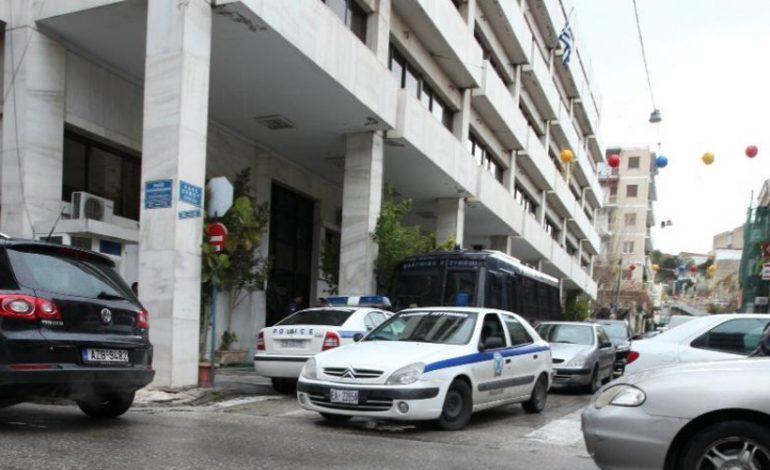 Επίθεση στο Αστυνομικό Μέγαρο της Πάτρας με μολότοφ