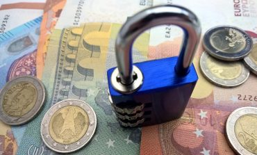 Κατασχέσεις… εξπρές για χρέη σε ΔΕΚΟ και τράπεζες