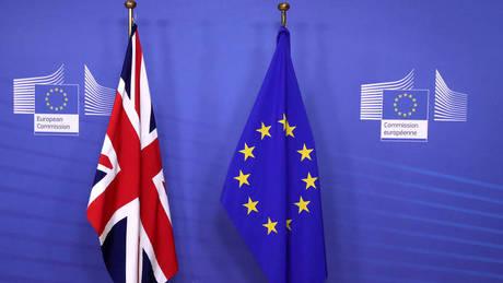 Έκτακτη Σύνοδος για το Brexit: Πυρετώδεις διαβουλεύσεις στις Βρυξέλλες για την επόμενη μέρα