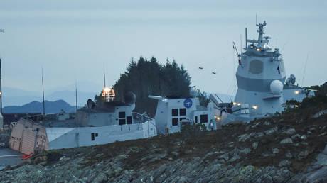 Ατύχημα στη Βόρεια Θάλασσα: Σύγκρουση τάνκερ ελληνικών συμφερόντων με φρεγάτα (pics&vid)