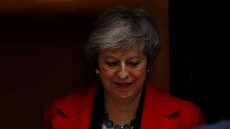 Βρετανία: Στοιχήματα για το πότε θα αποχωρήσει η Τερέζα Μέι