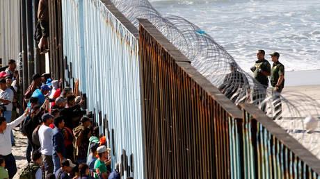 Μεξικό: Στα σύνορα των ΗΠΑ έφτασαν πάνω από 4.000 μετανάστες