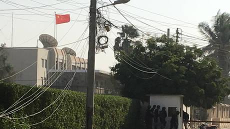 Πακιστάν: Ένοπλη επίθεση στο προξενείο της Κίνας – Δύο αστυνομικοί νεκροί