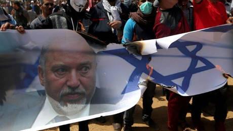 Παραιτήθηκε ο υπουργός Άμυνας του Ισραήλ μία μέρα μετά τη συμφωνία εκεχειρίας στη Γάζα