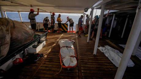 Περισσότεροι από 560 μετανάστες διασώθηκαν ανοικτά των ισπανικών ακτών – Τρεις βρέθηκαν νεκροί