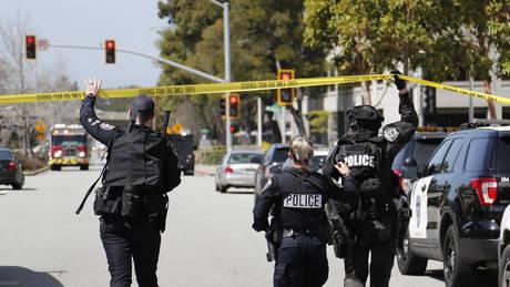 Συναγερμός για πυροβολισμούς στην Καλιφόρνια – Πληροφορίες για τραυματίες (pics&vids)