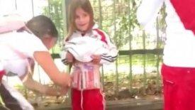 Συνελήφθη η οπαδός της Ρίβερ που έδεσε καπνογόνα στο σώμα του παιδιού της (vid)