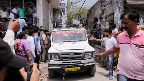 Τραγωδία στην Ινδία: Λεωφορείο έπεσε σε ποτάμι – Τουλάχιστον 28 νεκροί