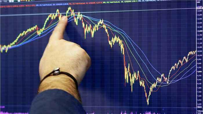 Έχασε τα κέρδη του 2018 ο Dow Jones με βουτιά 2,2%
