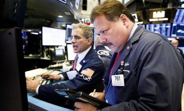 """""""Κατρακύλα"""" 600 μονάδων για τον Dow Jones"""