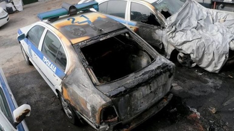 Συνελήφθη 48χρονος για τις εμπρηστικές επιθέσεις στο Α.Τ. Θηβών