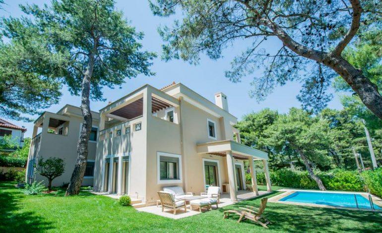 Μία εντυπωσιακή «έξυπνη» κατοικία στην Εκάλη