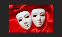Ο Κουτσομπόλης απόψε 9/11 από το Λαϊκό Θέατρο Ν. Ερυθραίας
