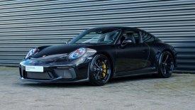 H αδερφή του Μαξ Φερστάπεν πουλάει την Porsche της (pics)