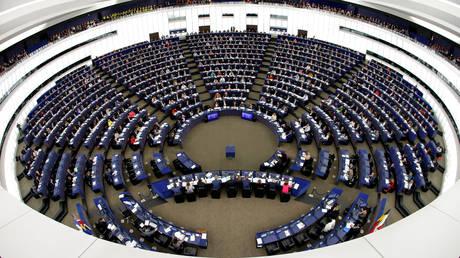 Reuters: Το ΕΛΚ θα παραμείνει η μεγαλύτερη πολιτική ομάδα στο Ευρωκοινοβούλιο