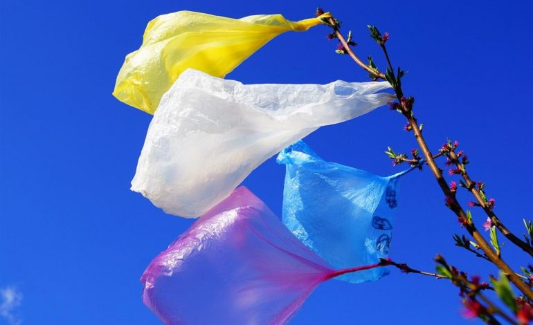 Αυξάνεται το τέλος της πλαστικής σακούλας από τις αρχές του 2019