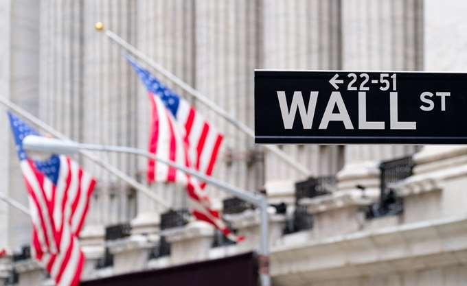 Απώλειες σε εβδομαδιαία βάση για τη Wall Street