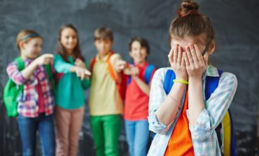 Σχολικός εκφοβισμός Bullying. Γράφει η Φλώρα Μυρσαλιώτου