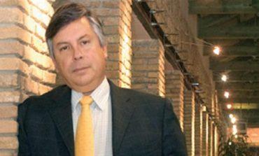 Ο Βακάκης (Jumbo) «χρυσώνει» με 1,7 εκατ. ευρώ μετρητά την οικογένεια Παπαευαγγέλου