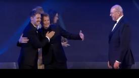 Μεθυσμένος ο Κίμι Ράικονεν στο ετήσιο Gala της FIA! (pics & vid)