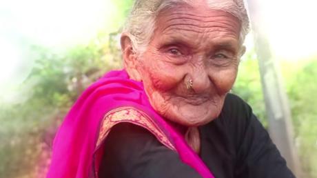Πέθανε μία από τις γηραιότερες σταρ του YouTube  (pics&vids)