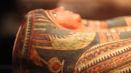 Πρώην υπουργός της Αιγύπτου άνοιξε σαρκοφάγο και τον στοίχειωσε η «κατάρα των Φαραώ»