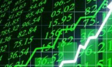 """""""Έτρεξε"""" σε ράλι με +4,7% το Χρηματιστήριο και 10% οι τράπεζες"""