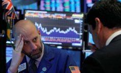 Επέστρεψαν οι εμπορικές ανησυχίες - Βαριές απώλειες στη Wall Street