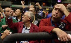 """""""Βυθίστηκε"""" 799 μονάδες ο Dow Jones, στο -3,8% ο Nasdaq"""