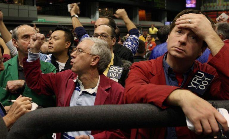 «Βυθίστηκε» 799 μονάδες ο Dow Jones, στο -3,8% ο Nasdaq