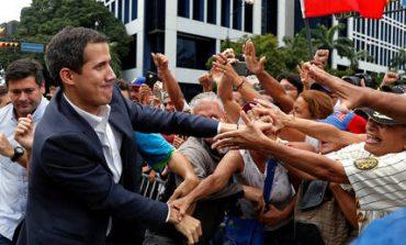 Αντιδράσεις για την αναγνώριση του Γκουάιδο ως προσωρινού προέδρου της Βενεζουέλας