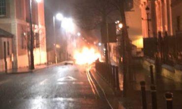 Συναγερμός στη Βόρεια Ιρλανδία για έκρηξη παγιδευμένου οχήματος (vid)