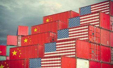 """Με κέρδη """"χαιρετίζει"""" η Wall την πρόοδο στις συνομιλίες ΗΠΑ-Κίνας για το εμπόριο"""