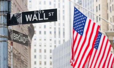 Ποδαρικό με αναιμικά κέρδη στη Wall Street