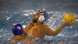 Ο Απόλλωνας κέρδισε με 11-10 την Γλυφάδα