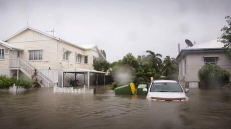 Πλημμύρες στην Αυστραλία: Σε κίνδυνο 20.000 σπίτια – Κροκόδειλοι κολυμπούν στους δρόμους (pics&vid)