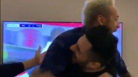 Τρελοί πανηγυρισμοί του Νεϊμάρ στα γκολ της Παρί στο Ολντ Τράφορντ! (vid)