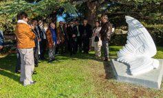 Τιμήθηκαν οι δωρητές και ο γλύπτης στο κοιμητήριο Κηφισιάς