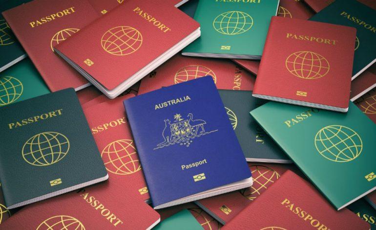 Εξαρθρώθηκε σπείρα πλαστογραφίας και εμπορίας ταξιδιωτικών εγγράφων