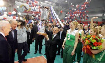 Η Τότσκο, το ...καρεκλάκι και η Τομάσεβιτς