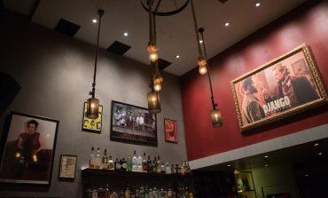 Django Bar: Eνα σινεφίλ μπαράκι στην Κηφισιά που τιμά τον Ταραντίνο