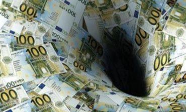 """Δεν πληρώνουν εισφορές οι επαγγελματίες περιμένοντας τη ρύθμιση - Μεγαλώνει η """"τρύπα"""" στα Ταμεία"""