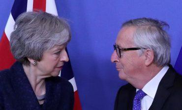 Εξάμηνη παράταση της αγωνίας για το Brexit