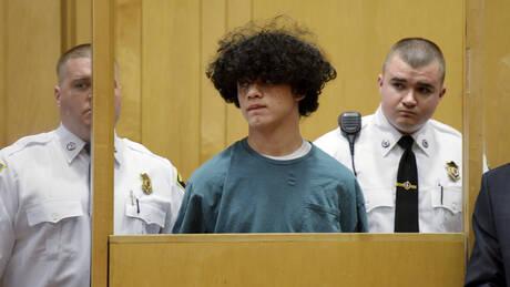 ΗΠΑ: 15χρονος αποκεφάλισε συμμαθητή του γιατί πίστευε πως είχε σχέση με την κοπέλα του (pics&vid)
