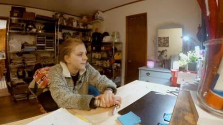 Κάθε φορά, πρώτη φορά: Η έφηβη με τη σπάνια μορφή αμνησίας (pics&vid)