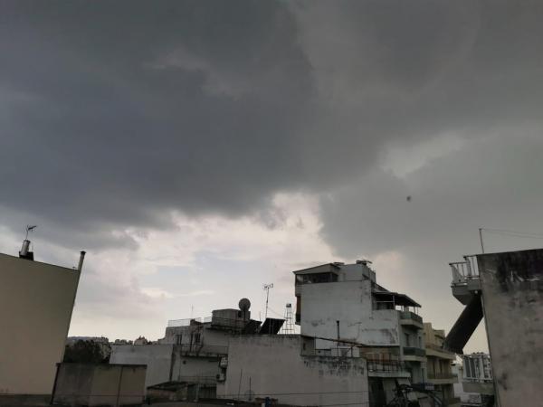 Καιρός: Χαλάζι και καταιγίδες στην Αττική