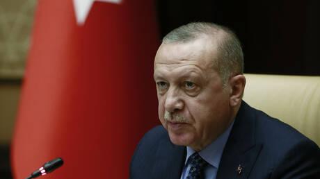 Κωνσταντινούπολη: O Ερντογάν απορρίπτει τις διεθνείς αντιδράσεις για την ακύρωση των εκλογών