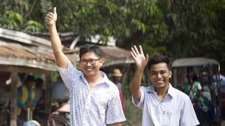 Μιανμάρ: Ελεύθεροι μετά από 500 ημέρες κράτησης οι δημοσιογράφοι του Reuters